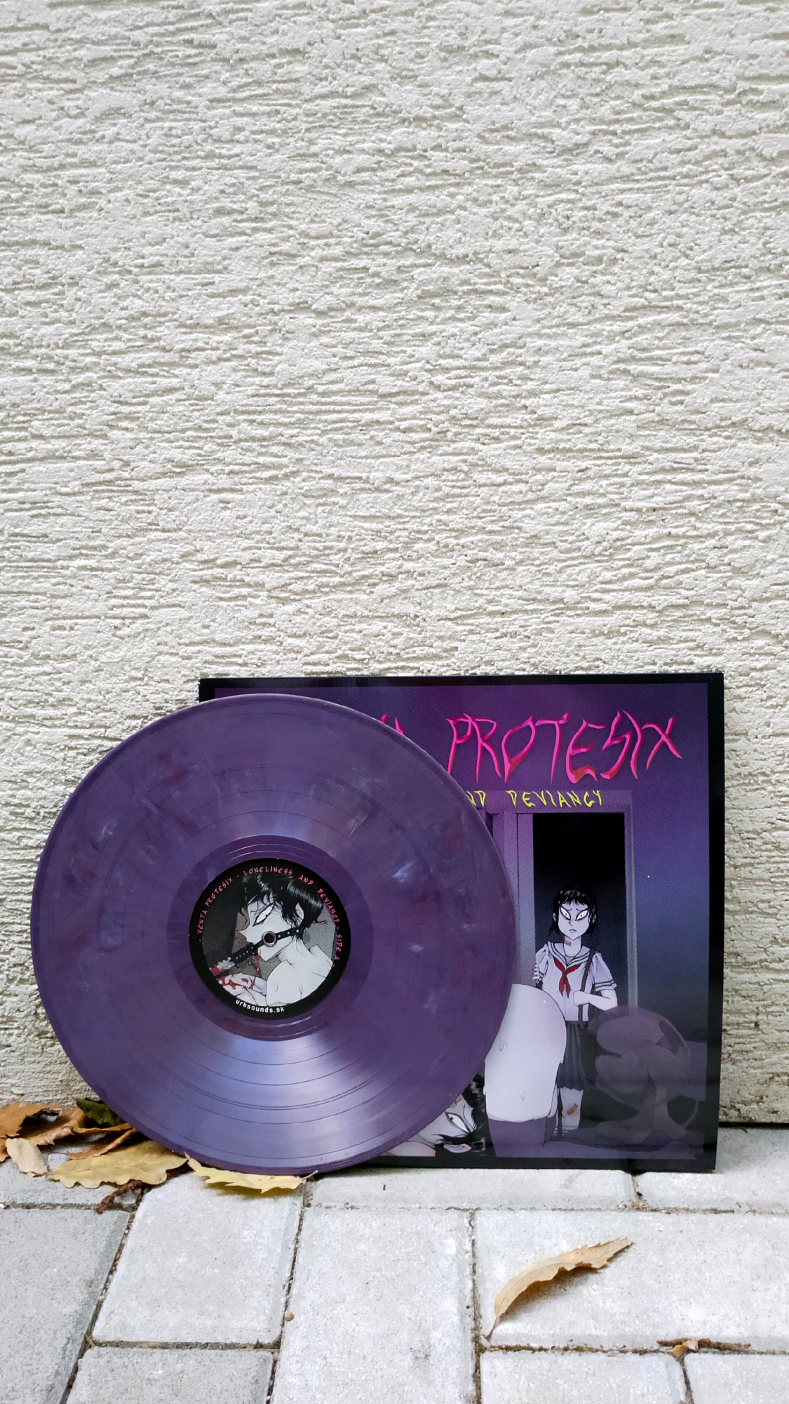 Venta Protesix - Loneliness And Deviancy
